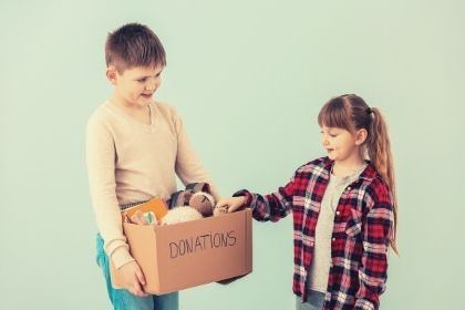 Amazing Ways Parents Can Teach Children The Joy Of Giving